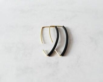 Triangle style black rubber earrings