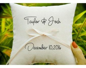 Personalizzato portatore cuscino anello, anello nuziale cuscino, cuscino matrimonio, supporto dell'anello, anello cuscino portatore, Mr & Mrs custom cuscino (R54)