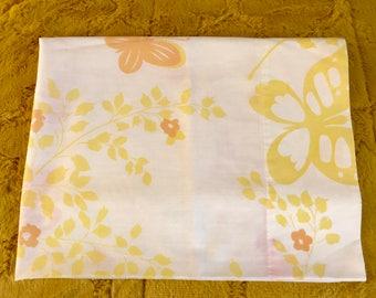 SALE Vintage pequot single pillowcase retro linens crafts fabric