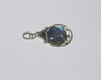 107 # pendant in 925 sterling silver with labradorite