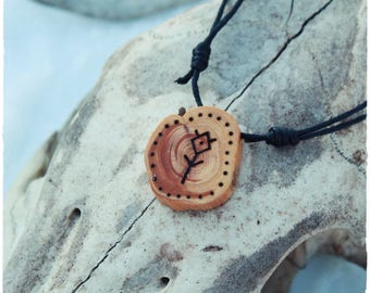 Guardian spirit amulet • Shamanic necklace • Wooden pendant • Spirit animal • Witch necklace • Pagan jewelry • Primitive • Tribal jewelry