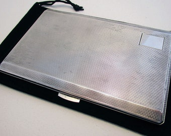 Mid 20th-century, SPRING-LOADED Solid Sterling Silver Cigarette Case/Box. Art Deco style. Birmingham Hallmarked.