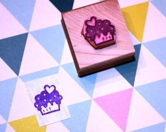 cupcake rubber stamp - with heart -  mini hand carved rubber stamp