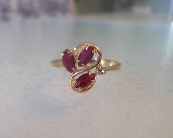 Vintage Gold Plated, Ruby Red Glass Stones and Rhinestone Ladies Ring Size 8.5.