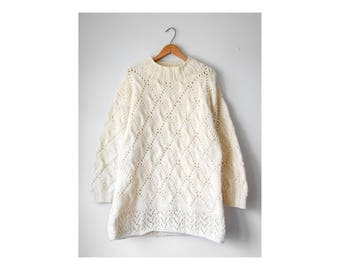 Vintage cream wool cable knit pullover | fits many