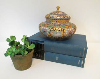 """Gorgeous Vintage Chinese Cloisonne Jar Bowl with Lid 5"""" Tall x 6"""" Wide"""