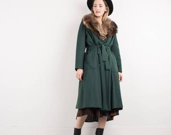 AMAZING Vintage Green Coat with Fur Collar / S / hipster jacket coat womens outerwear overcoat oversized coat