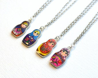 matryoshka necklace / birthday gift for daughter / russian nesting doll necklace / gift for daughter / colorful jewelry / christmas