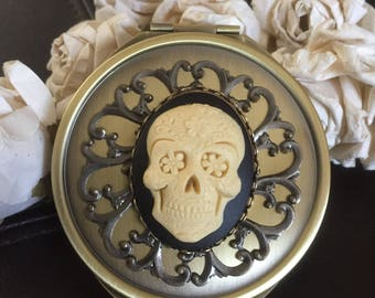 sugar skull compact mirror, skull gift, purse mirror, gothic purse mirror, hand mirror, pocket mirror, skull accessories, mirror for purse
