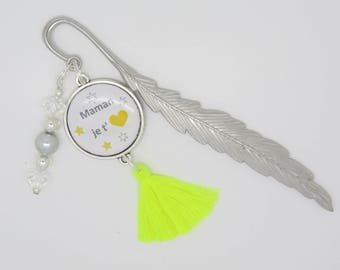 CUSTOMIZABLE gift bookmark for a reader, a reader: MOM you love
