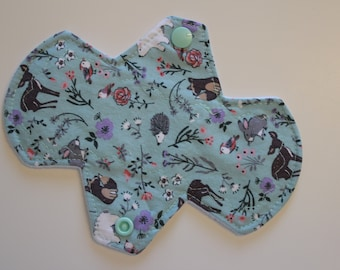 "6.75"" liner, reusable cloth pantyliner - into the woods 2"