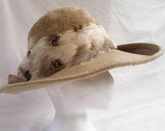 "Beautiful Vintage Otto Lucas London ""Champagne"" Felt Fur Hat , Feather & Silk Band"