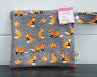 wetbag wet bag The ICKY Bag petite grey orange fox modern baby gift waterproof gym sports cloth diaper pouch zipper handle baby gift