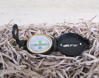 Vintage Engineer Directional Compass /   Pocket Sized Portable Compass /   Directional Map /  Directional compass /   Old Compass