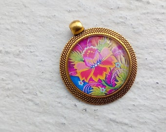 Pendant or brooch: colorful flower