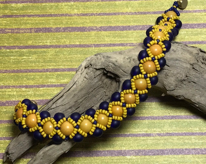 Featured listing image: Yellow - Blue Chunky Bead Reversible Bracelet