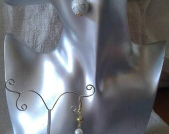 """""""big golden mottled White Pearl"""" earrings"""