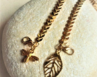 Gold Chevron Ankle Chain∫Bee Or Leaf Charm∫Gold Plate Anklet Bracelet∫Boho Anklet Chain∫Gold Summer Anklets∫Bee or Leaf Charm [Sizes]