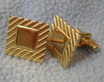 Nice Goldtone Square Cuff Links- Geometric Design