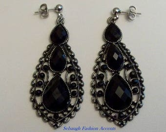 Black Crystal Earrings,Vintage Style,Jewelry,Earrings,Gifts,Gifts for Her,Gift Ideas,Dangle Earrings,Black,Silver,Mom,Auntie,Birthdays