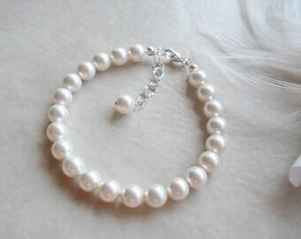Child's Classic Swarovski Pearl Bracelet in Sterling Silver B053