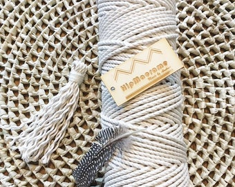 Struck 4mm macrame rope.
