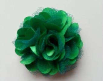 rosette  fleur  satin et tulle vert foncé  50mm