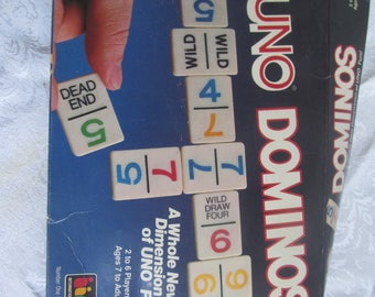 UNO  - Domino  - Game Play - Toy//Family Fun  - Vintage Collectable Toy