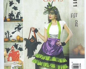 McCalls 6811 - Halloween / ADULT Apron, Hat, Fingerless Gloves & Other Decorations