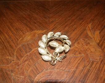 Vintage Brooch of Leaves in a Circle