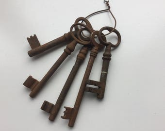 Set of 5 Vintage, Rusty Keys, Skeleton Keys