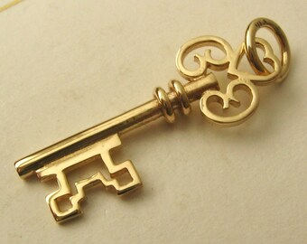 Genuine SOLID 9K 9ct YELLOW GOLD 3D Large Vintage Key charm/pendant