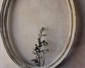 Vintage Large Portrait  Oval Wall Frame. Homco Frame. Shabby Distressed Rustic French Cream. 17 x 13. Wedding frame
