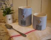 Pair of Vintage jugs - Vi...