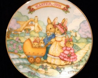 Vintage AVON EASTER 1991 Collectible Decorative Plate 22k GOLD trim