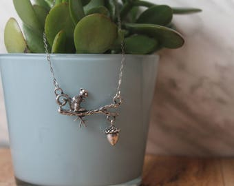 squirrel necklace, Acorn Necklace, Silver Necklace, Animal Necklace, Acorn Charm Necklace, Nature Jewelry, Gift for her, Animal Lover