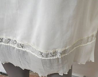 Vintage Half Slip Harvey Woods Large Accordion Lace #095