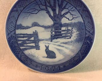 Royal Copenhagen Hare in Winter Collector Plate (#191)