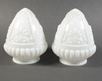 Art Deco opaline lamp shades, set of two opaline lamp shades, sconce lamp shade, 30s, white opaline glass lamp shade