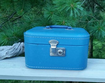 Vintage Train Case Blue with Plastic Handle Suitcase