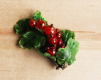 Red currant broosh