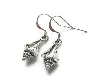 Conch Shell Earrings, Sea Shell Earrings, Beach Earrings, Beach Lover Earrings, Beach Vacation Earrings, Earrings For Beach Lover