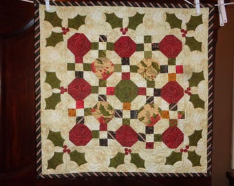 Holly and Berries Small Quilt, Christmas Quilt 1204-07