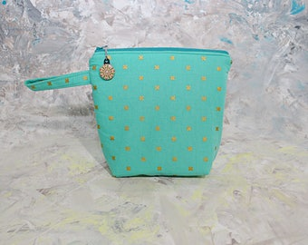 Large Insulated Turquoise snack bag, zippered, washable, food safe lining, school/work snack bag, grab and go, reusable, kid friendly handle