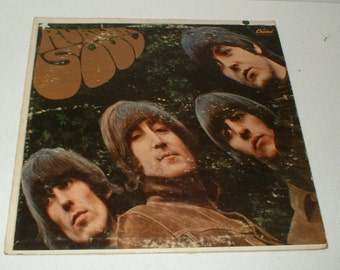 Very Nice Original issue The BEATLES RUBBER SOUL Record Album Capitol T 2442 Nice playable condition