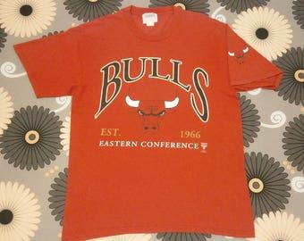 Vintage 90s CHICAGO BULLS Eastern Conference t shirt size L
