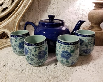 Thy Collectibles blue porcelain floral cups and teapot