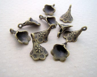 Set of 10 Cup charms bronze 11 x 18 mm - L0028