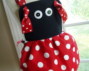 Halloween Bumble Bee & Ladybug Knot Aprons for Children Sewing Pattern - Three Sizes