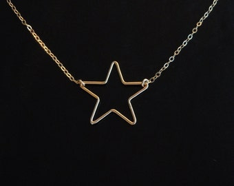 Star Necklace in Gold
